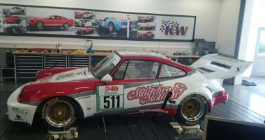 Random Snap: 911 RSR on the 7 Post Rig