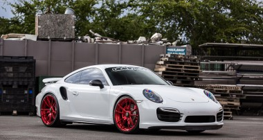 Vivid Racing Porsche 991 Turbo meets KW HLS and height adjustable springs!