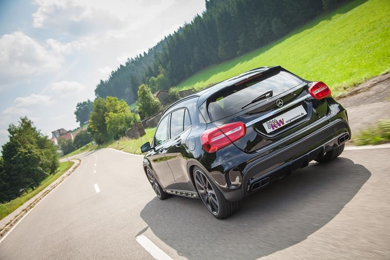 KW_Mercedes-Benz_GLA_45_Typ-X156_217