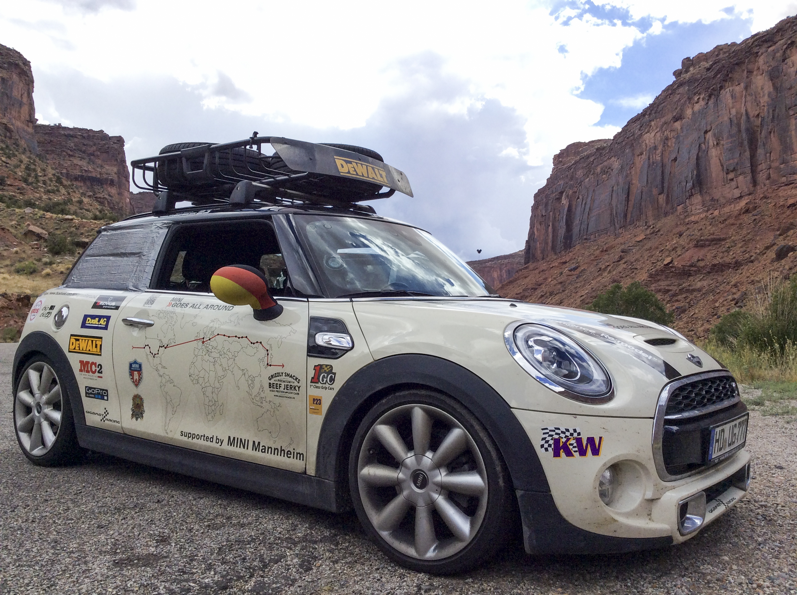 kw endurance test a new mini drives round the world with a kw coilover kit kw automotive blog. Black Bedroom Furniture Sets. Home Design Ideas