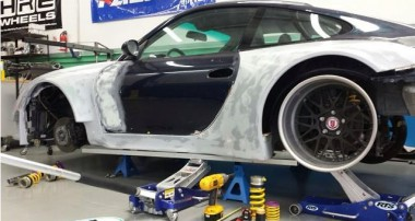 When Porsche met Dr. Frankenstein – The Chevy-powered 911!