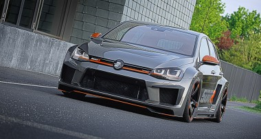 V8? Ain't care! It's the 6¼ lbs / HP Oettinger 500R Golf with KW Clubsport inside!