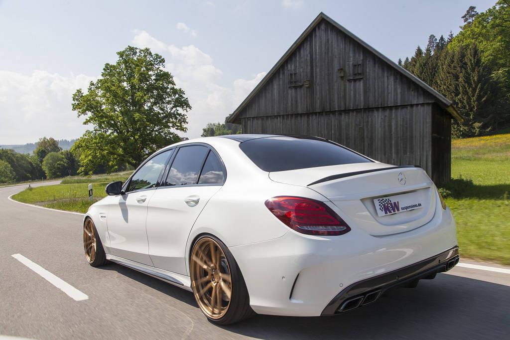 low_KW_V3_Mercedes-Benz_C63AMG_Fahraufnahme02