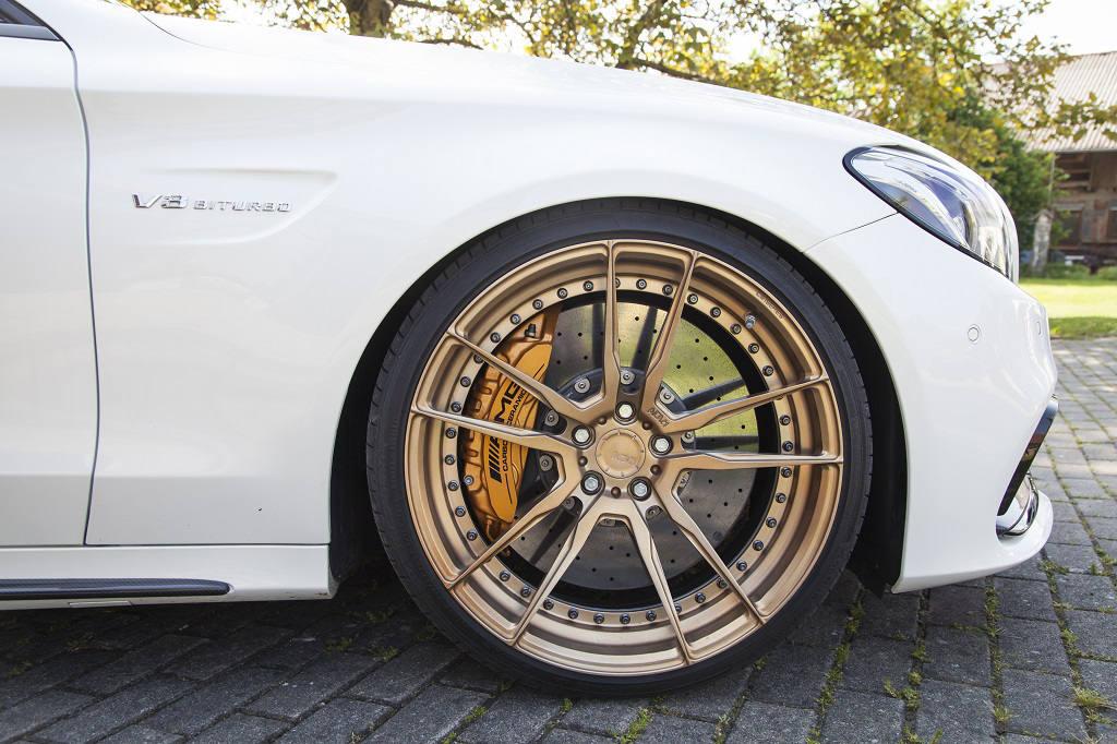 low_KW_V3_Mercedes-Benz_C63AMG_Standaufnahme_Detail