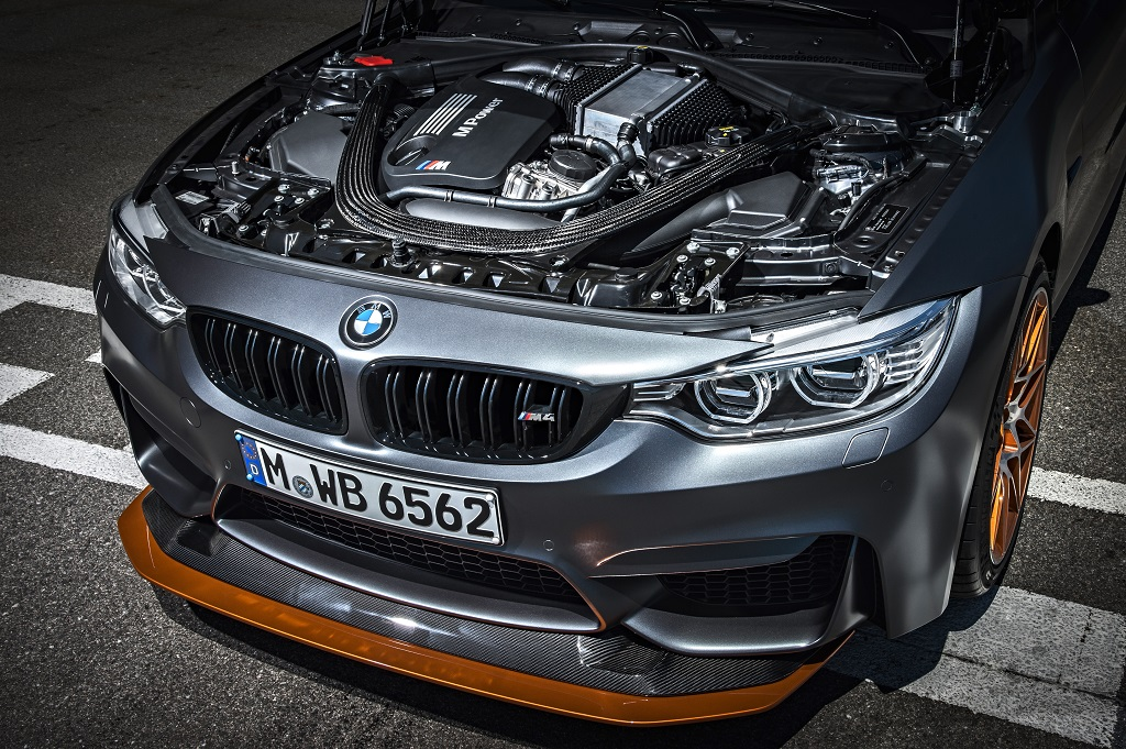 lowP90199467_highRes_bmw-m4-gts-10-2015