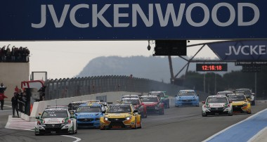FIA WTCC: HUFF PUTS HONDA ON TOP IN WTCC THRILLER