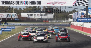 FIA WTCC: López strikes gold with record Argentina win