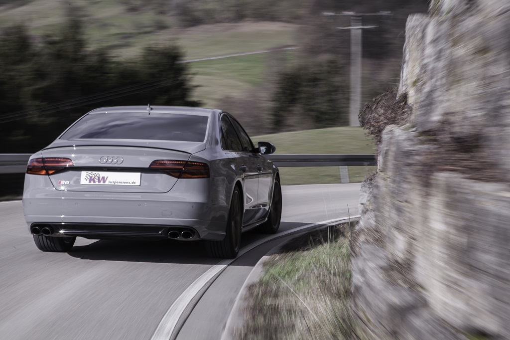 low_Audi_S8_DLC_airsuspension_02