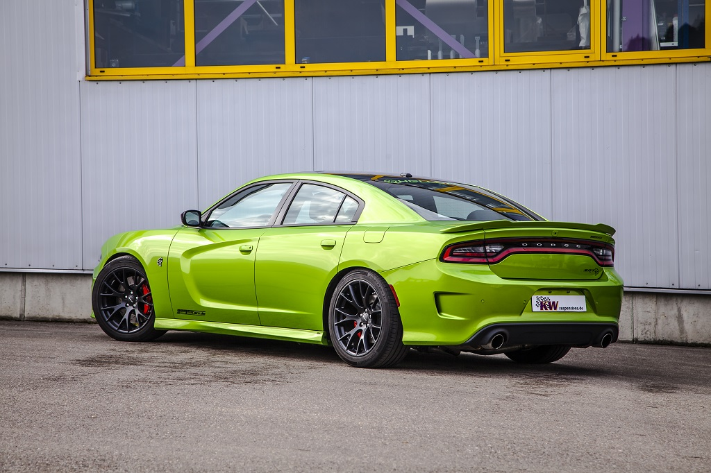 low_kw_dodge_charger_srt-hellcat_017