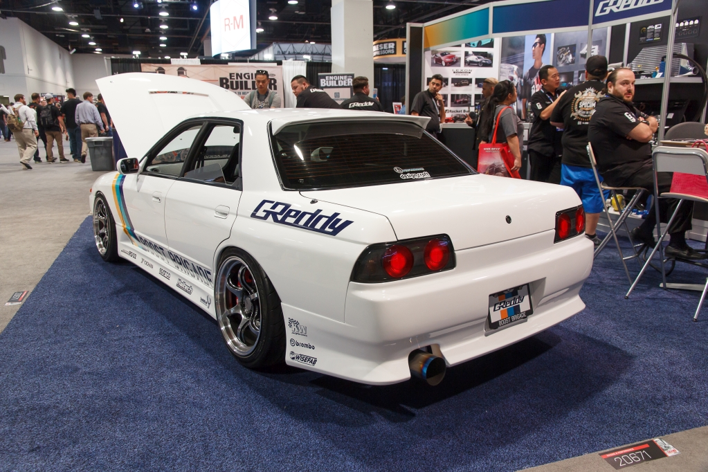 Nissan R32 Skyline with KW HLS and Clubsport.