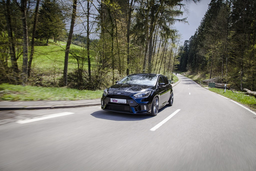 New Ford Focus RS with KW Variant 3 suspsension