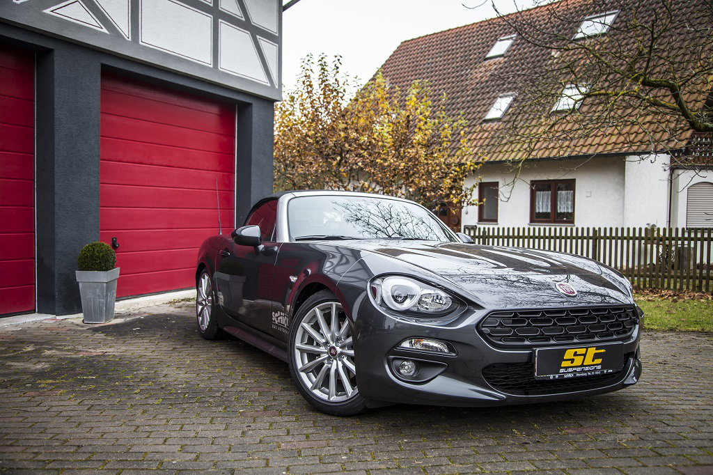 Brandnew Fiat 124 Spider with ST XTA coilover
