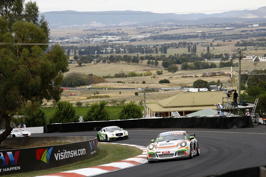 KW customer racing teams got an huge success on Mount Panorama