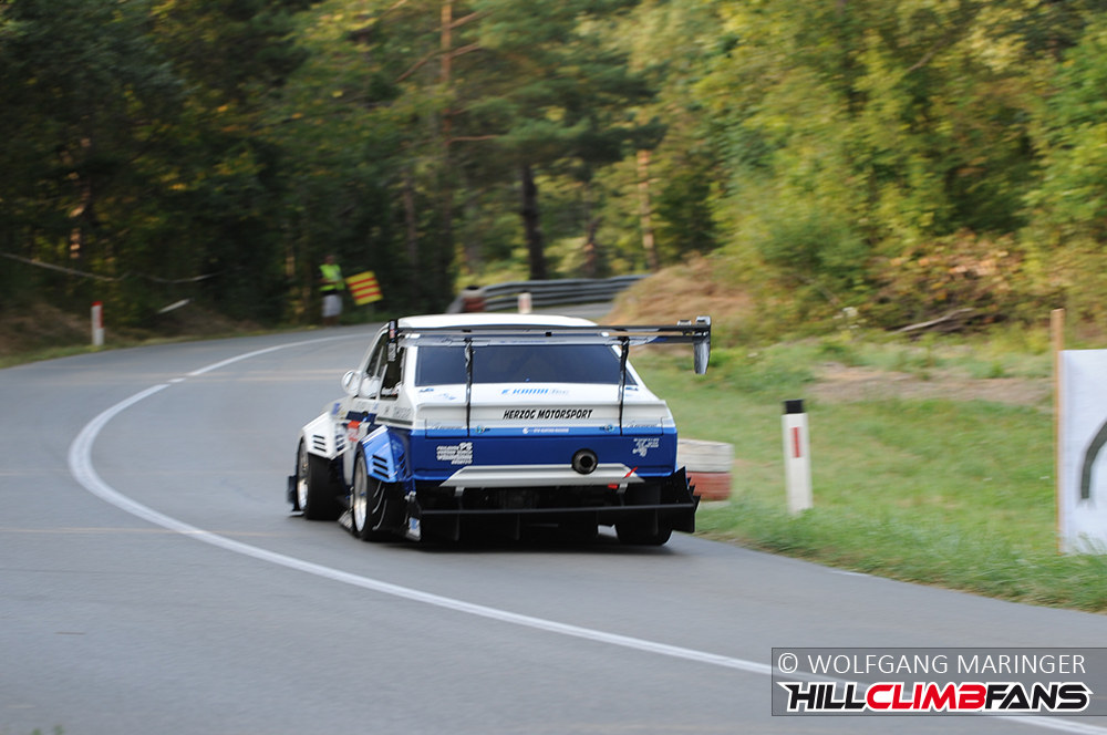 Hill Climb Racer on KW suspensions: Ford Escort Mk II