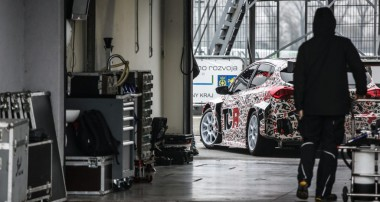 Officially: KIA Cee´d TCR race car relies on KW Competition suspension