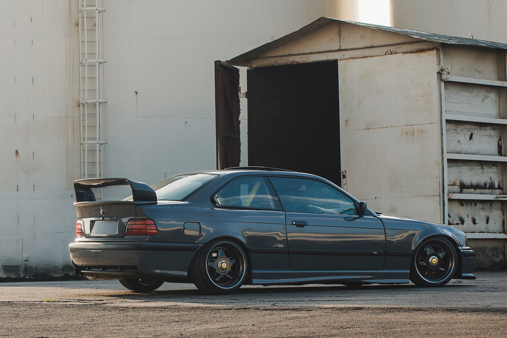 The freshness of the 90ies! BMW E36 meets KW V1 and Audi