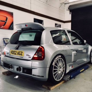 """""""Retro Widowmaker from France"""": Renault Clio V6 with KW coilovers – any more questions?"""