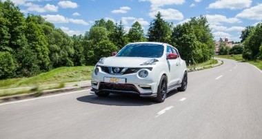 ST XA coilovers for Nissan Juke and Juke Nismo RS