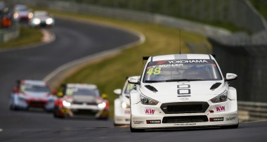FIA WTCR Race of Germany: Muller takes title lead