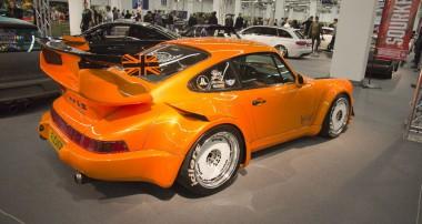 Rauh Welt Begriff Hibiki: England's first RWB Porsche relies on KW!