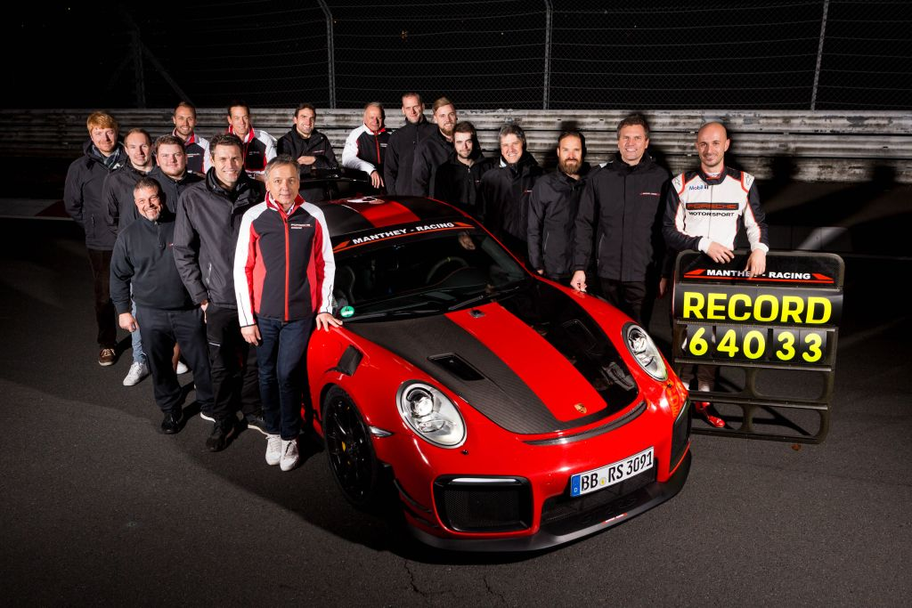 Chris Harris Sets A Personal Lap Record With The Porsche 911 Gt2 Rs Mr Kw Automotive Blog