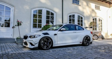 Old School BMW Tuning like a Boss: The Floßmann lightweight M2