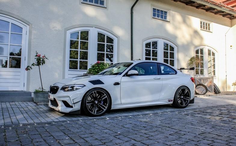 Old School BMW Tuning like a Boss: The Floßmann lightweight M2