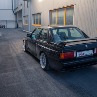 Machining of the series struts is no longer necessary: KW Classic suspensions for BMW M3 (E30)