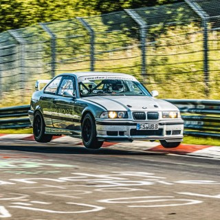 """Nordschleife-BTG"": 7:17 min in the 321 hp BMW M3 (E36) with KW Competition 4A – and your heart beats faster"
