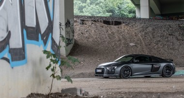 Maximum performance for everyday driving: The Klasen R8 convinces with 1,050 hp and the KW Variant 4